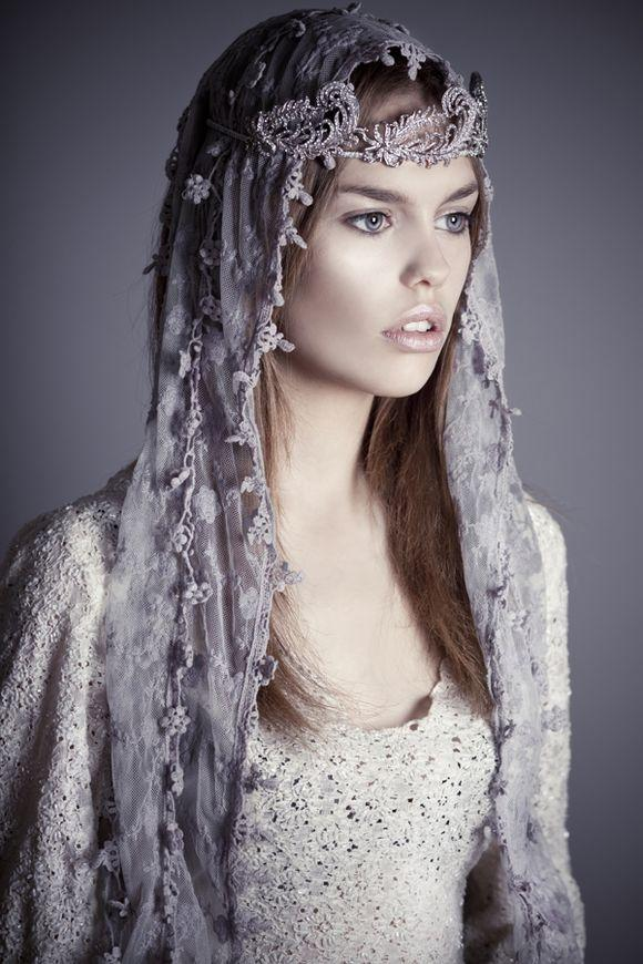 Hochzeit - Flo & Percy Release Sublime New Images Of Vintage Inspired Headpiece Designs