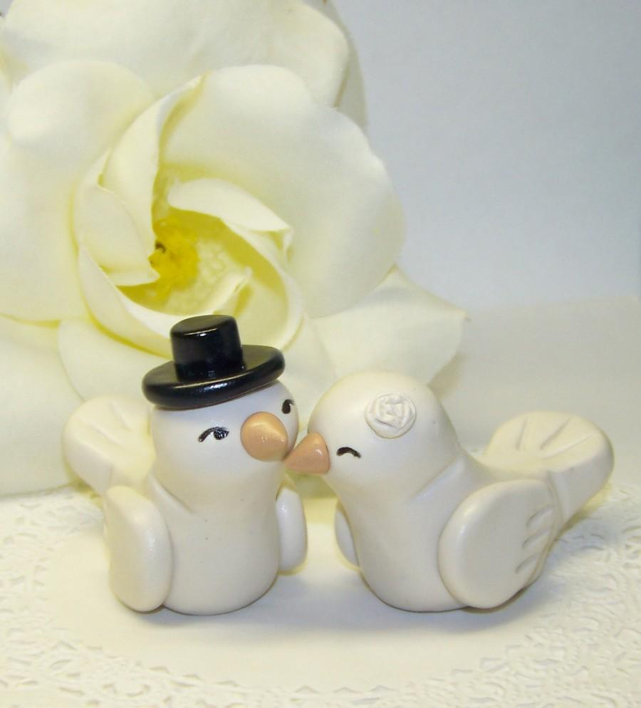 Hochzeit - Custom Love Bird Wedding Cake Topper Birds - High Fashion Decor Small - Colors of Choice