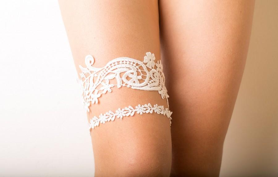 Hochzeit - Bridal ivory lace garter set, floral bridal garter, wedding garter set