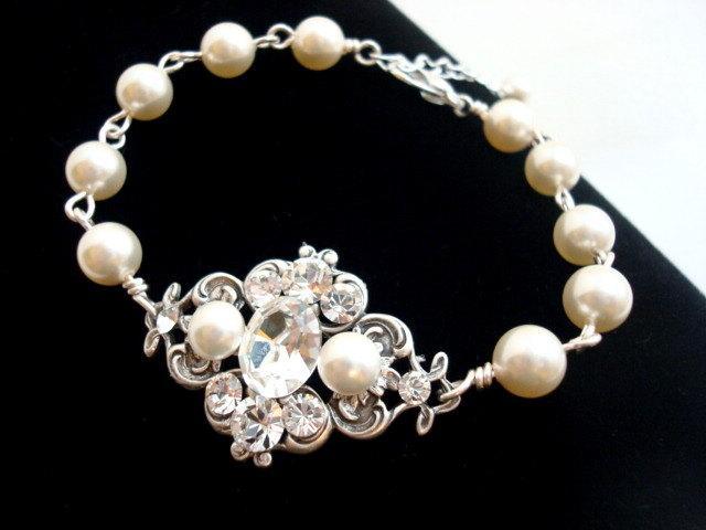 Mariage - Bridal Pearl bracelet, Wedding jewelry, Wedding bracelet, Vintage style bracelet, Crystal bracelet, Swarovski bracelet, Bridesmaid,  ASHLYN