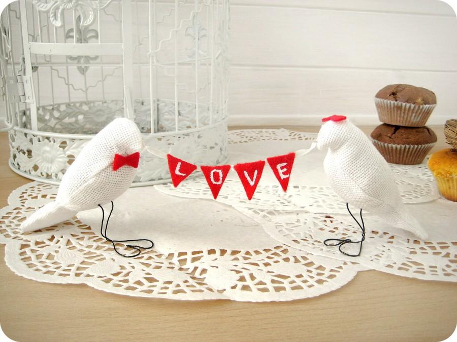 Свадьба - White LOVE Birds Wedding Cake Toppers with mini felt banner, Love Fabric Banner,Burlap Birds Cake toppers