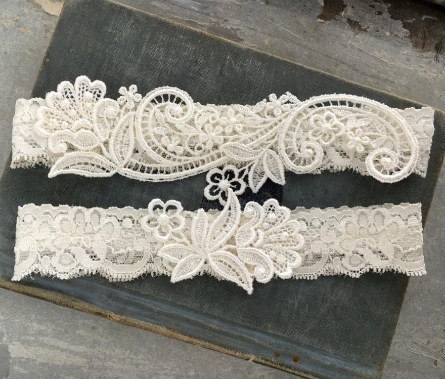 """Mariage - Ivory Lace Wedding Garter Set, Lace Bridal Garter, Vintage Inspired Garter Belt with Toss Garter - Simple Garter Set - """"Delia"""""""