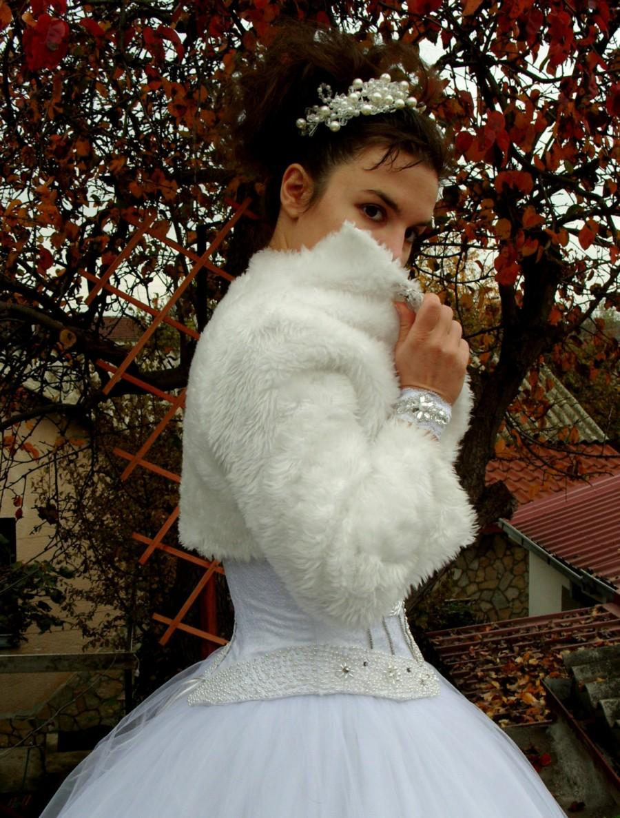 Wedding - Snowflake - Faux Fur Bolero, Bridal Bolero, High Collar, Satin Linning, Brooch, Bridal Shrug