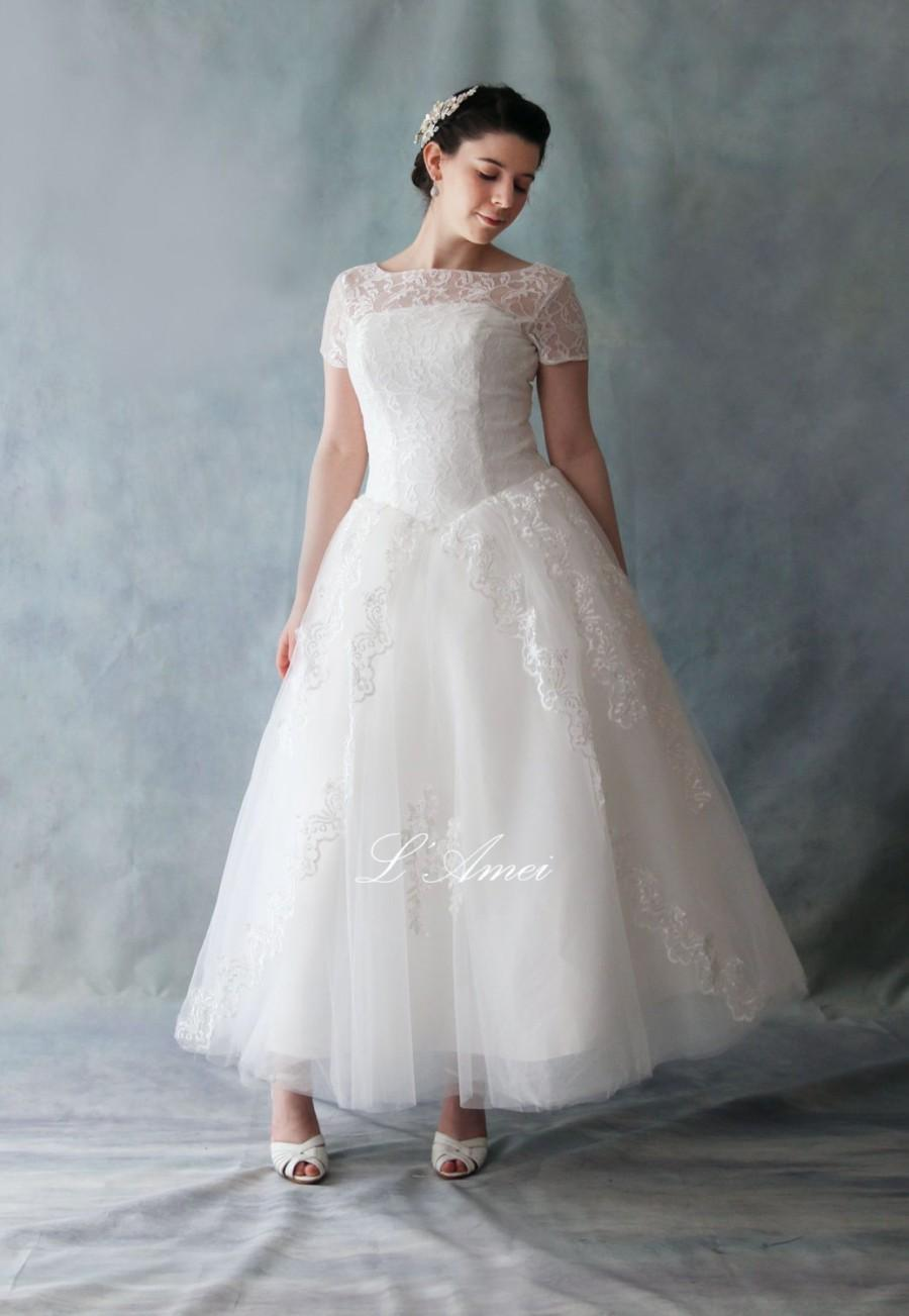 Retro 50 39 s vintage style tea length lace wedding dress for Wedding dresses tea length with sleeves