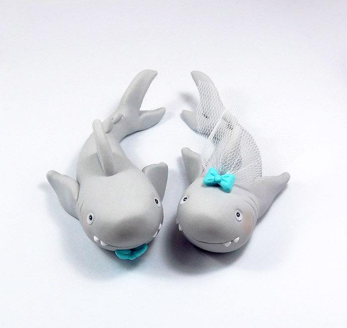 Mariage - Shark Figurines, Personalized Wedding Cake Topper, Polymer Clay, Handmade Figurines, Summer Wedding Decoration, Bride and Groom