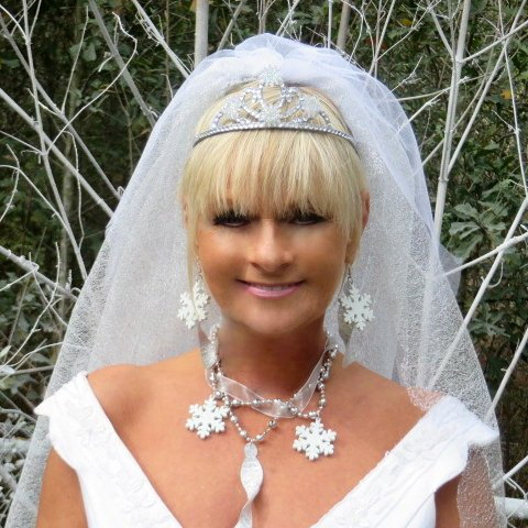 Mariage - Archtype Wedding Veil - Bridal Veil - Snowflake Wedding - Winter Wedding - White Veil - Winter Wonderland - Fairytale Wedding - Bride Veil