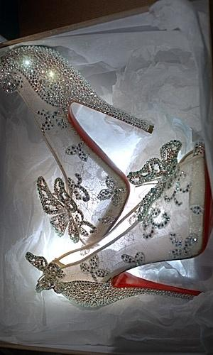 زفاف - Christian Louboutin Releases Disney's Cinderella-inspired Shoes!