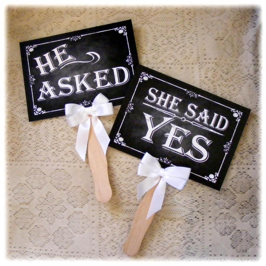 Mariage - He asked, She said yes Engagement Paddles - chalkboard style - great engagement or save the date photo props - Rustic Rose Design