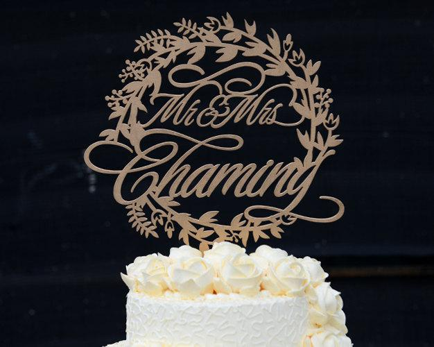Mariage - Personalized Last Name Wedding Cake Topper, Custom Linden Wood Mr and Mrs Cake Topper, Personalized with YOUR Last Name #126