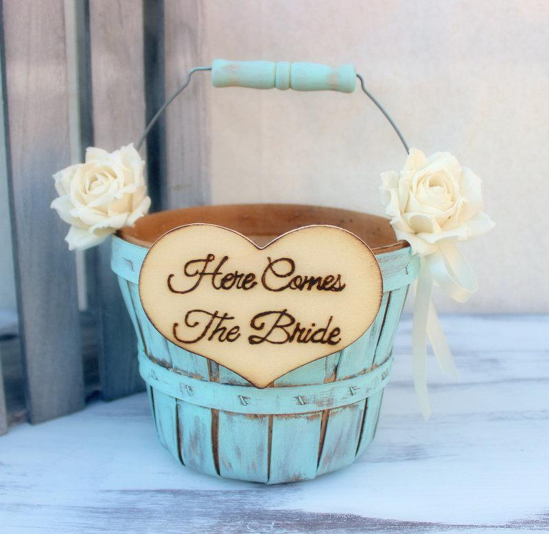 Свадьба - Flower Girl Basket Paper Roses Rustic Shabby Chic Wedding (Your CHOICE of Color)