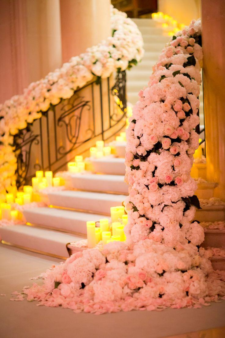 Mariage - This Flower-Filled Paris Wedding Is An Absolute Fairytale