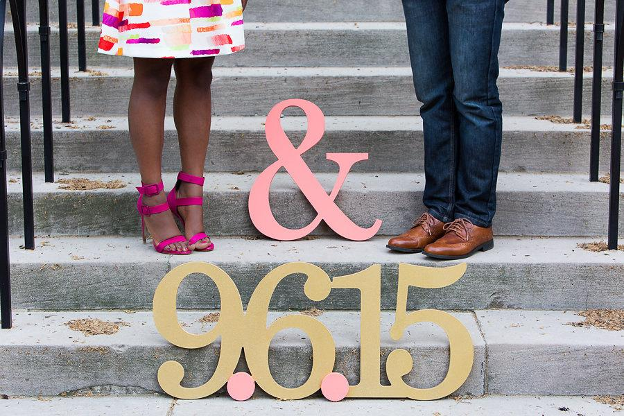 Mariage - Date Sign for Save The Dates, HUGE Engagement Photo Signs in Custom Colors and Glitter - Save the Date Card Idea (Item - STD100)