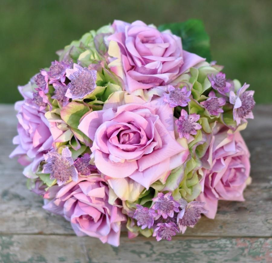 Hochzeit - Silk Wedding Bouquet, Wedding Bouquet, Keepsake Bouquet, Bridal Bouquet made with Lavender Roses, Green Hydrangea silk Silk Wedding Bouquet.