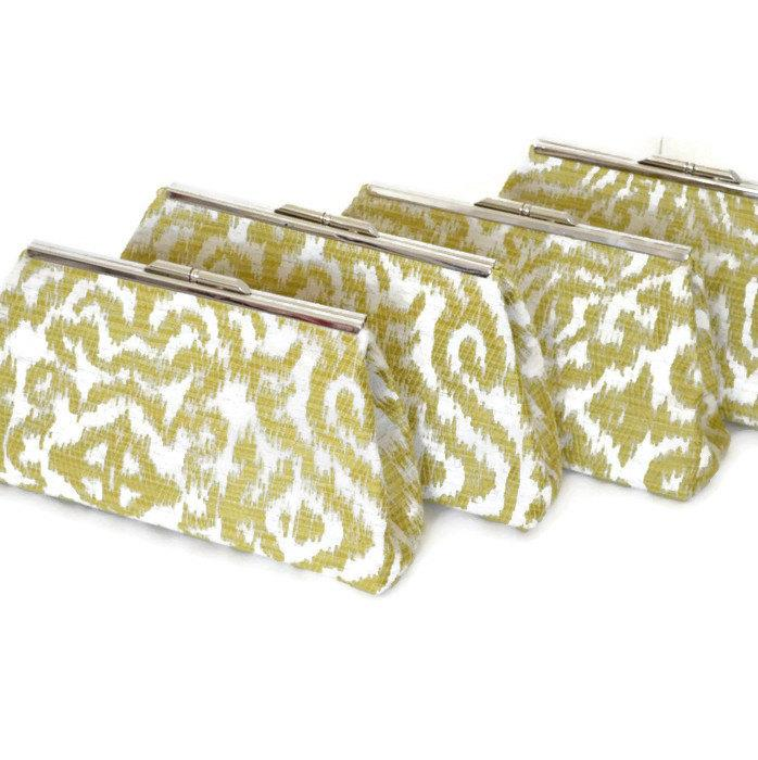 Hochzeit - Bridesmaid Clutch Set