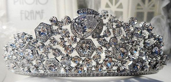 Mariage - Rhinestone Tiara with Cubic Zirconia, Wedding Crown, Bridal Tiara,Tiara Headband, Bridal Headpiece, Bridal Hair Accessories