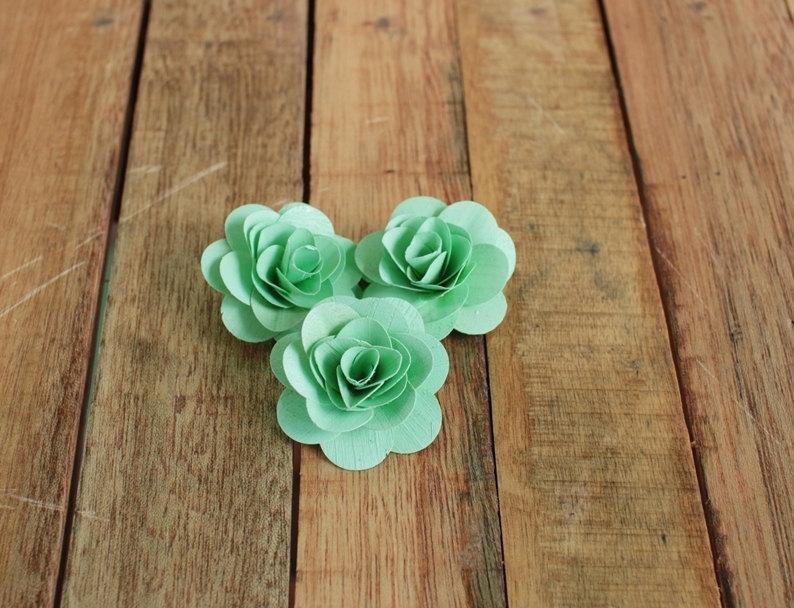 Свадьба - 150  Pcs Mint Green Birch Wood Roses for Weddings, Home Decorations, Scrapbooking and Floral Arrangements