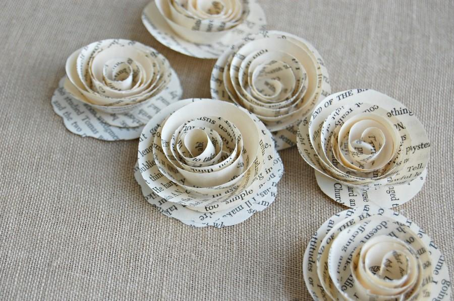Mariage - 12 - Paper Roses /  Book Page Roses /  Vintage Wedding / Scrap booking Roses