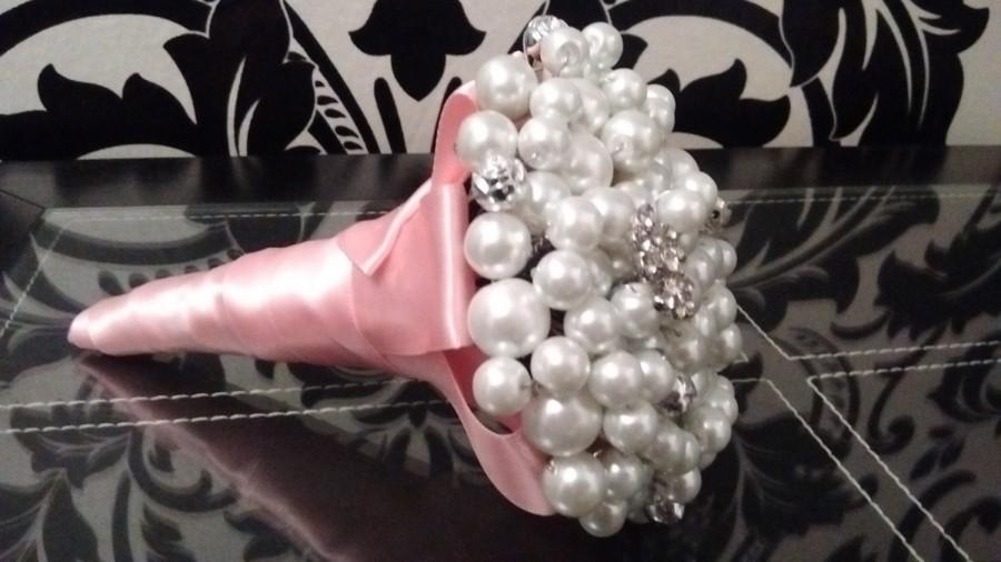 Mariage - Mini Pearl Bouquet. Flower girl Bouquet.