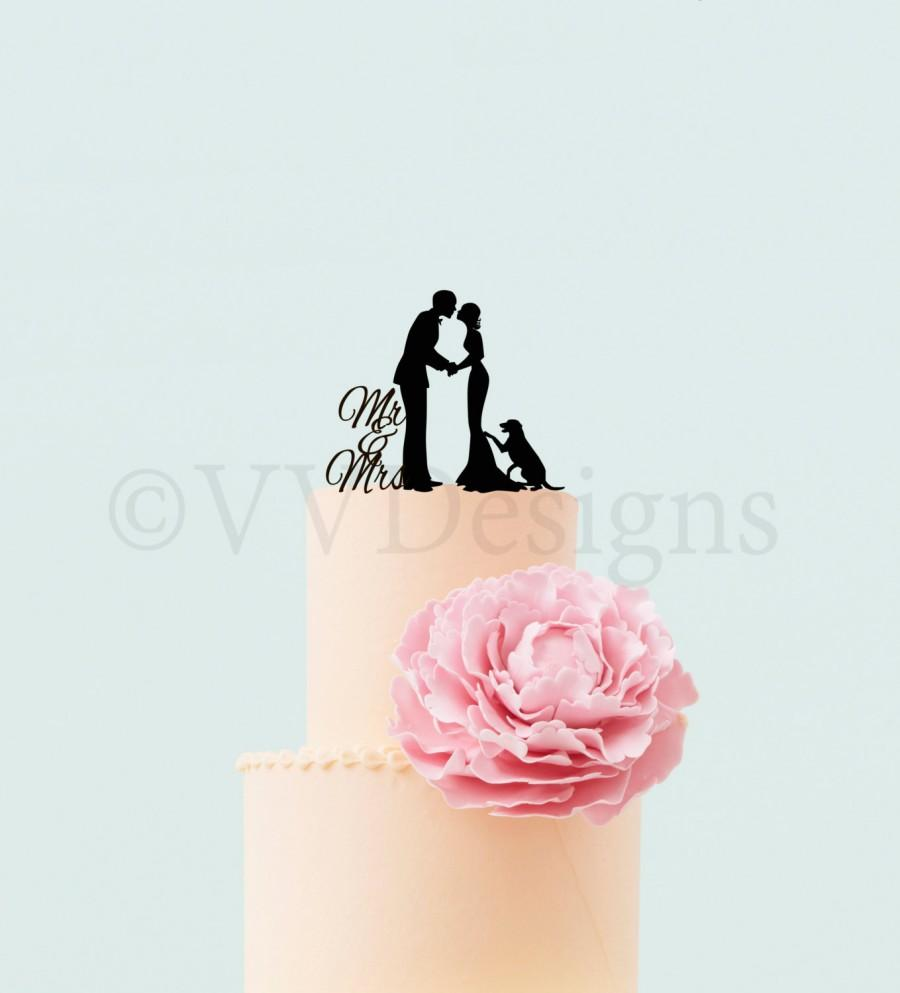 Mariage - Wedding Cake Topper Wedding Decor Personalized  Silhouette Cake Topper With Dog Mr Mrs Cake Topper