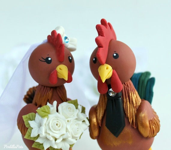 "زفاف - Rooster and hen wedding cake topper, customizable bride and groom, bigger figurines more than 5"" tall"