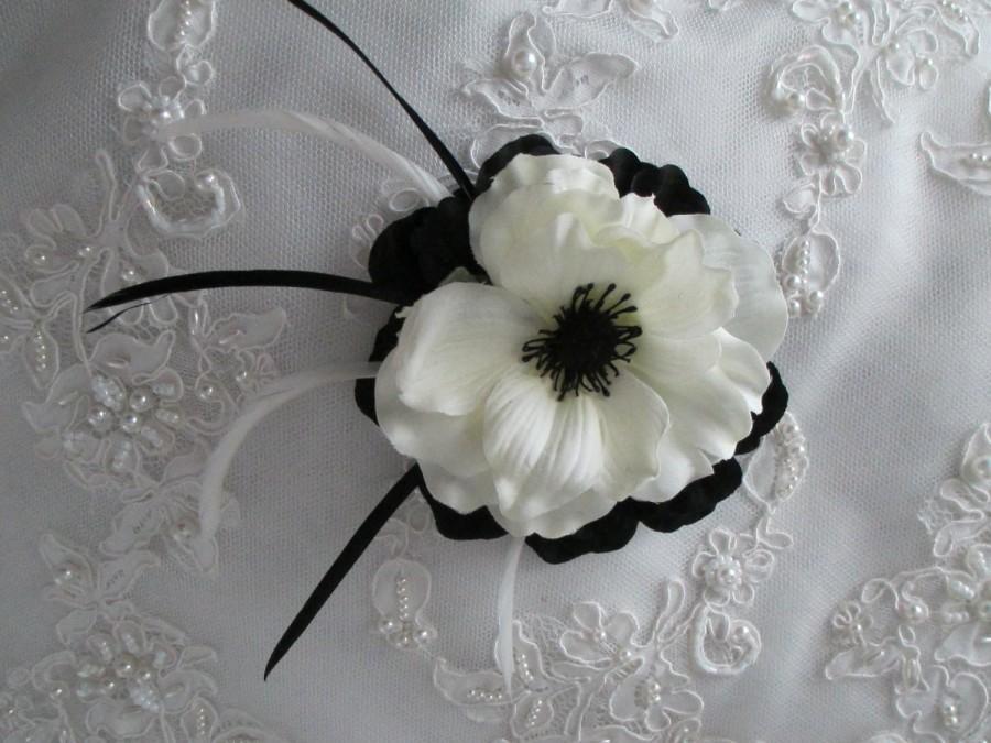 زفاف - Black And Cream White Silk Anemone Feather Hair Clip