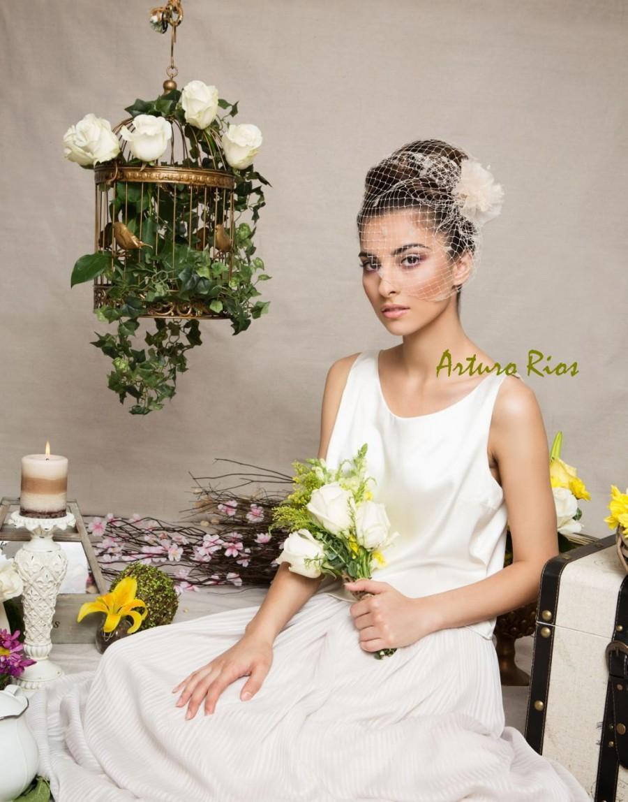 Vintage inspired birdcage veil headpiece champagne for Veil for champagne wedding dress