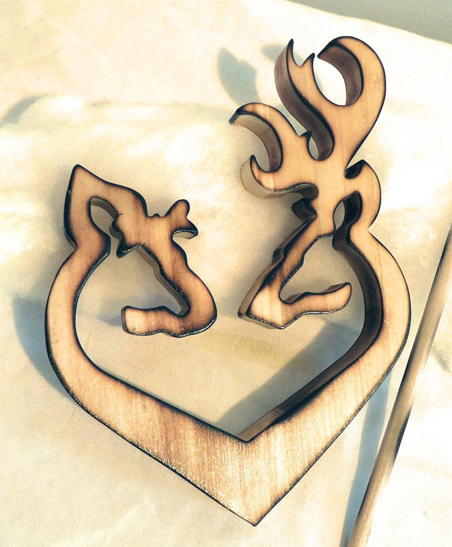 زفاف - Country Rustic Shabby Browning Deer Couple Heart Wood Carving Wedding Cake Topper_2