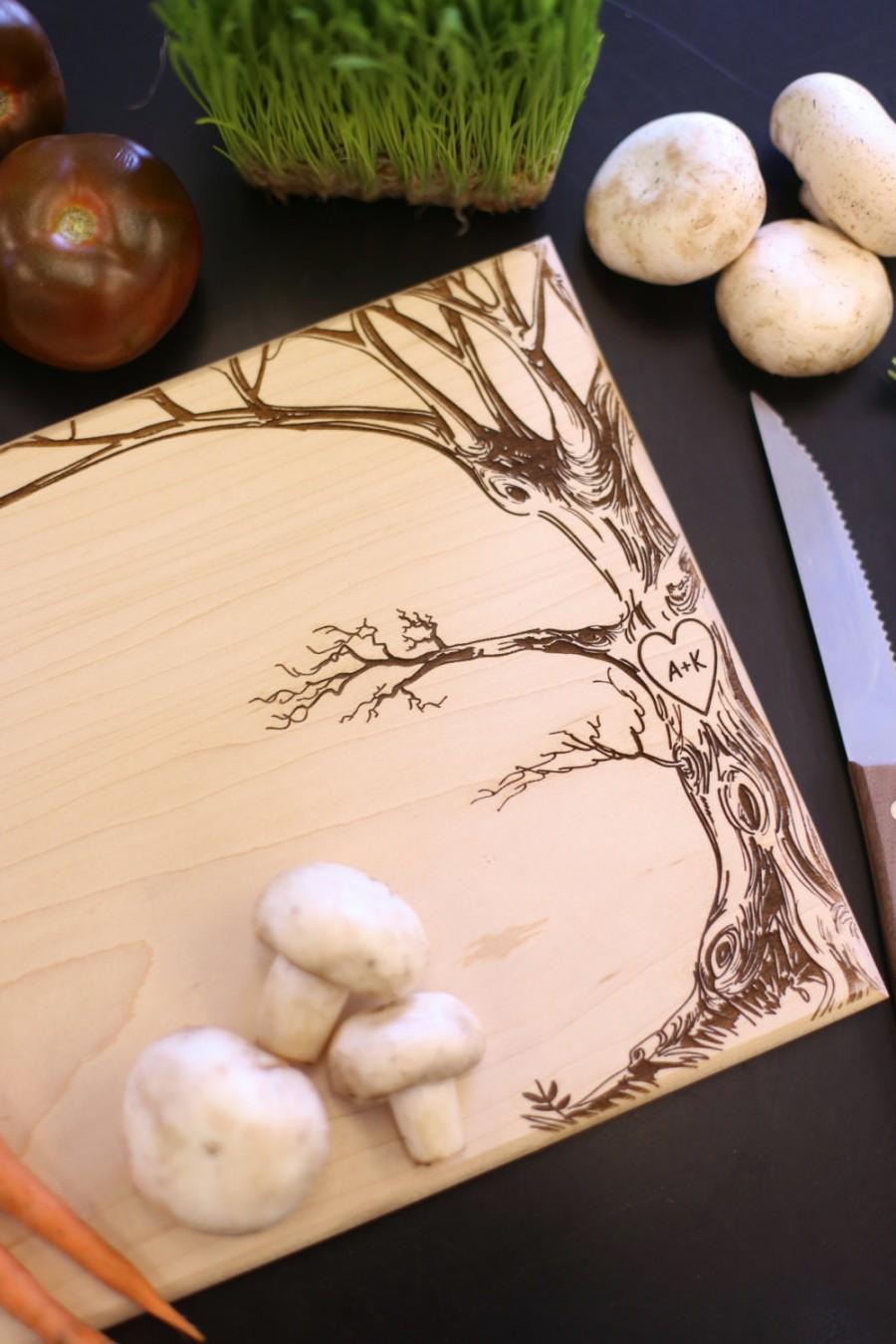 زفاف - Personalized Cutting Board Christmas Gift Bridal Shower Gift Wedding Gift Engraved Love Tree With Initials (Item Number MHD20012)