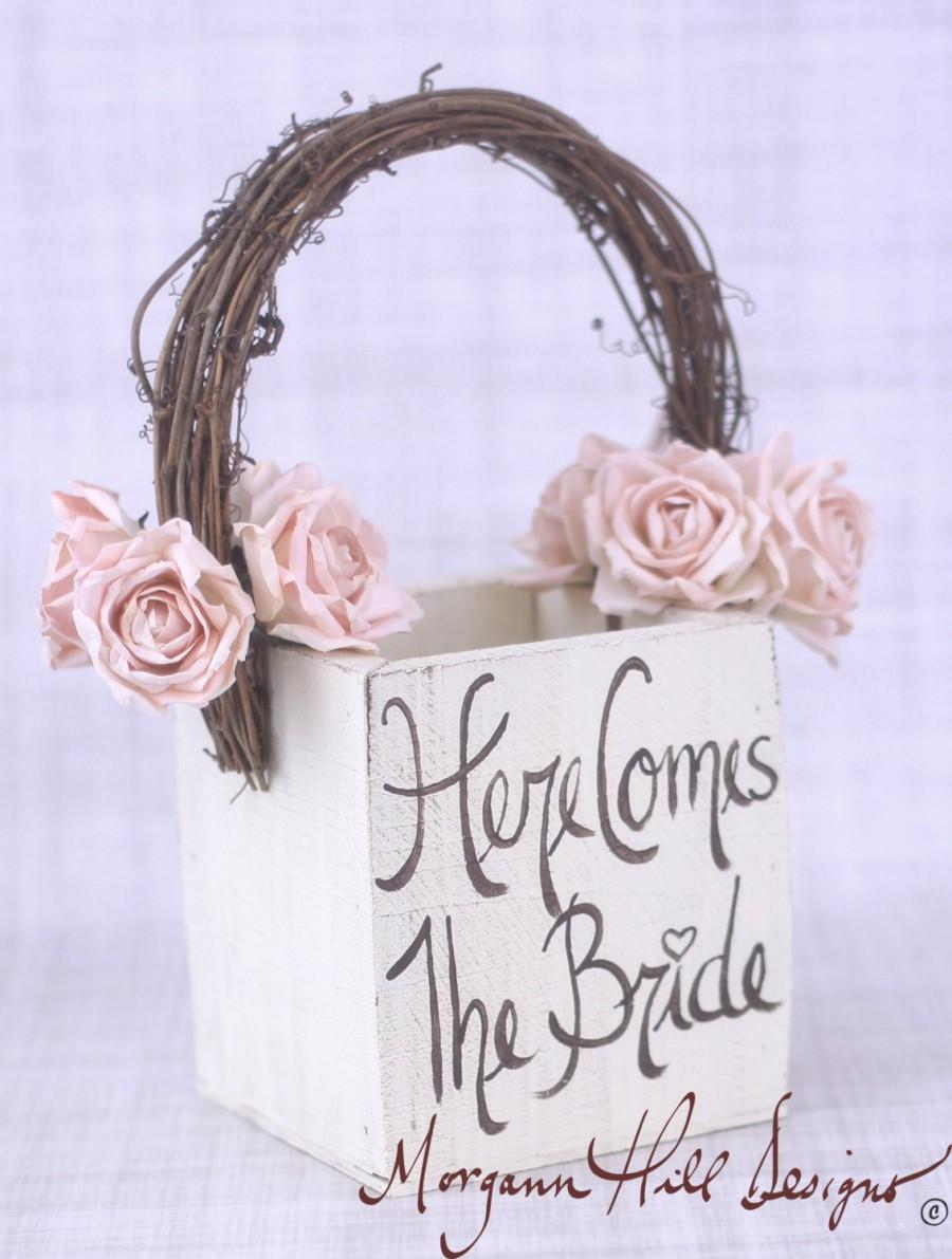 زفاف - Rustic Flower Girl Basket Here Comes The Bride Sign Country Wedding (Item Number MHD100018)