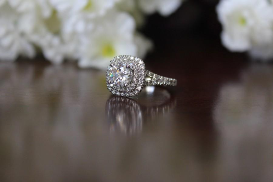 Mariage - 1 Carat Forever ONE Moissanite Engagement Ring 14k White Gold, Diamond Engagement Ring, Diamond Halo & Forever ONE Moissanite