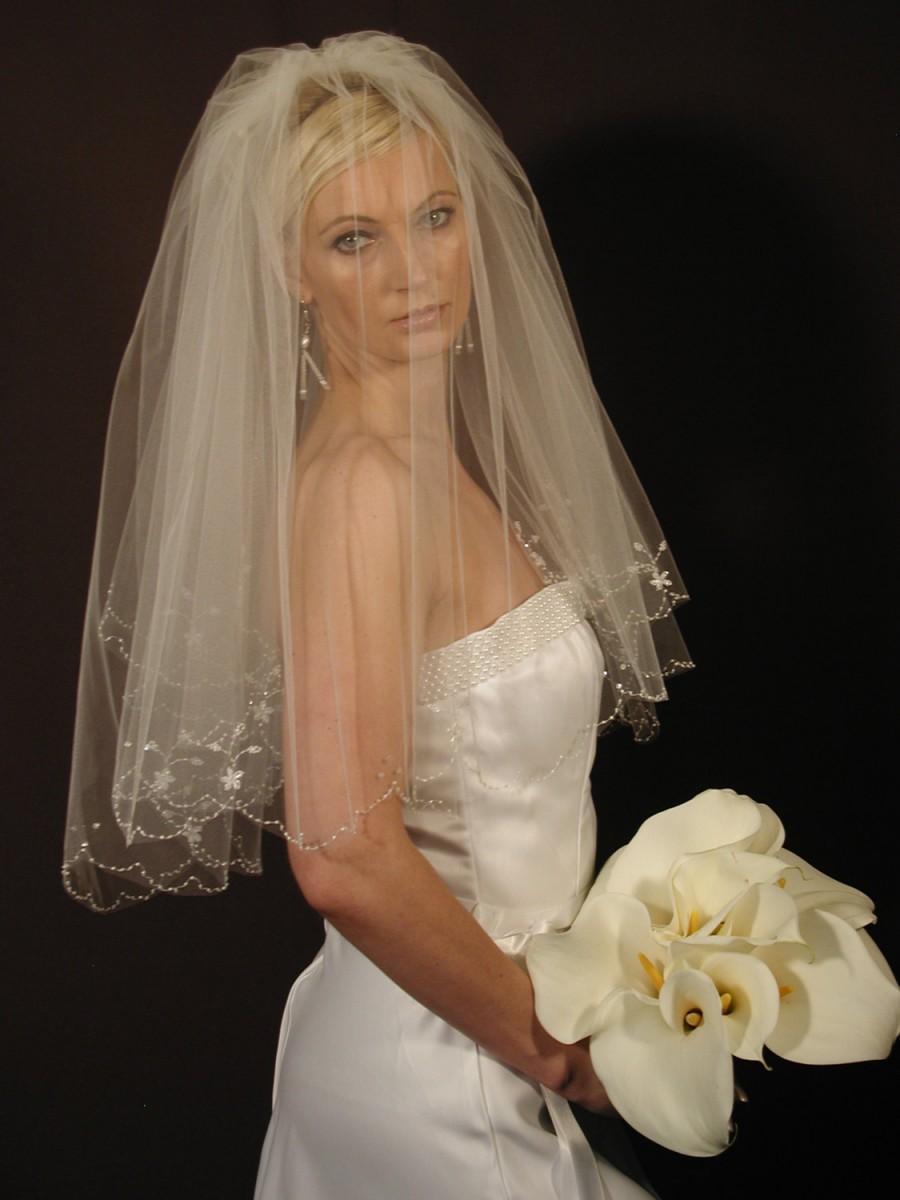 Mariage - Hand-embroidered wedding veil - scallop edge wedding veil - hand beaded edge bridal veil- WV138