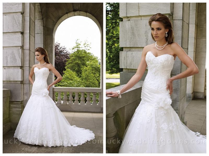 Hochzeit - Strapless Chapel Train A-line Wedding Gown with Sweetheart Neckline