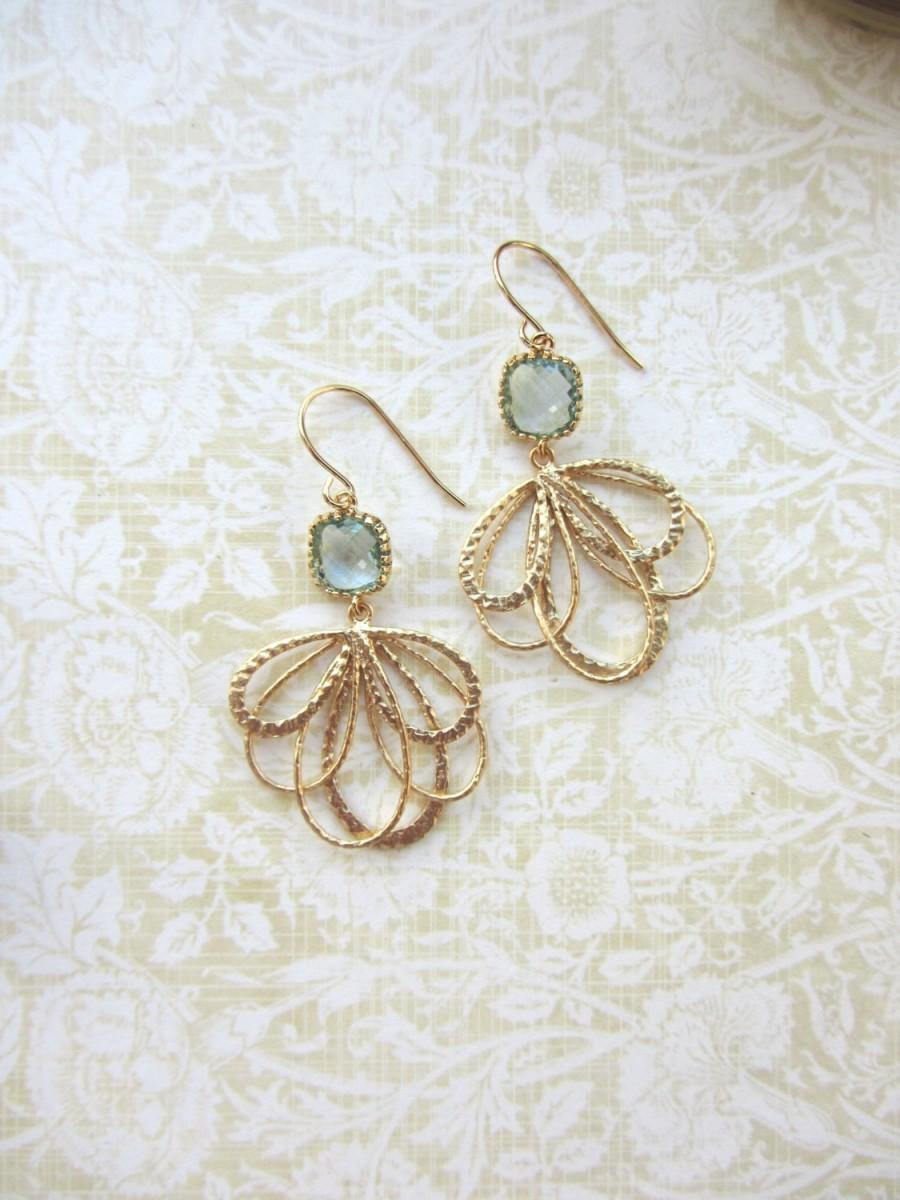 Mariage - Aqua Blue Gold Feather Earrings. Aqua Blue Glass Framed Jewel Drop Earrings. Gold Aqua Wedding, Aquamarine Blue Earrings. Bridesmaid Gifts