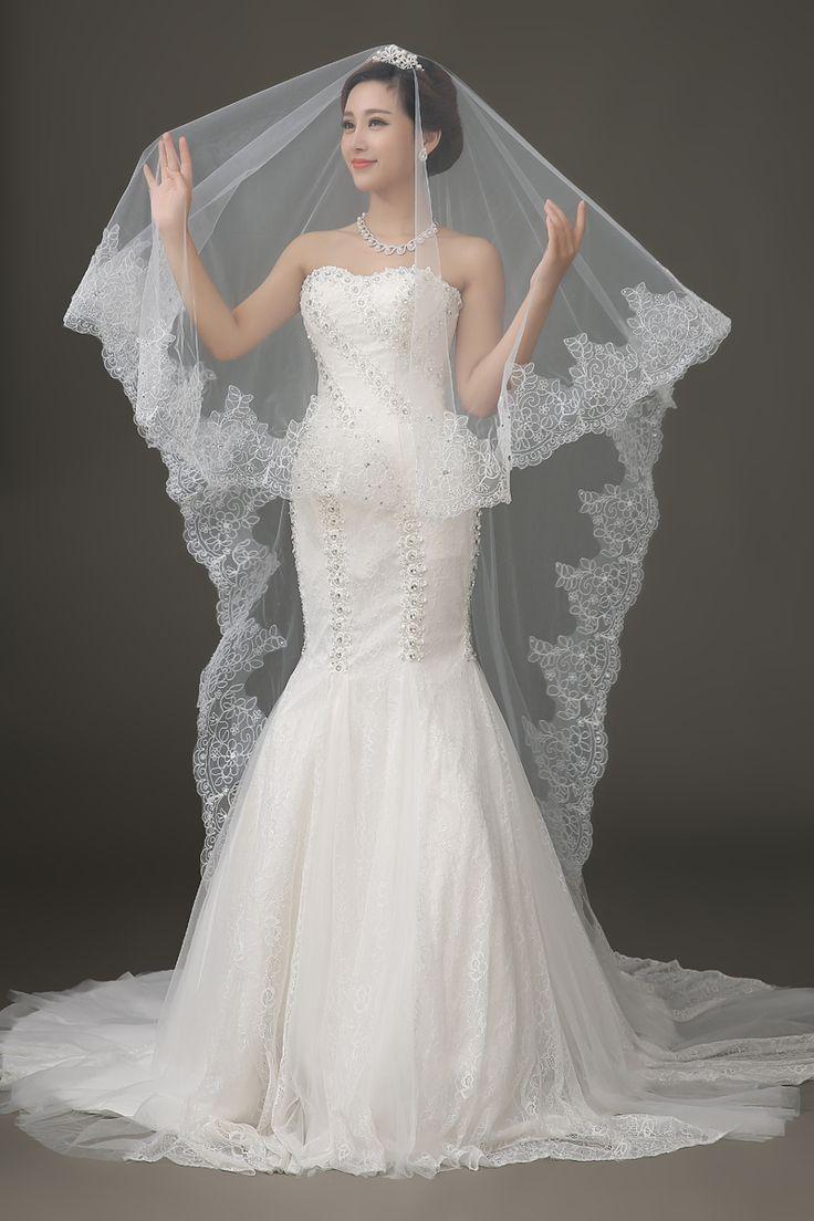 Hochzeit - Lace Edge Long Wedding Veil