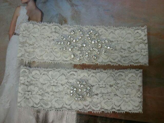 Mariage - SALE - Bridal Garter, Wedding Garter and Toss Garter -Crystal Rhinestone IVORY Garter Set - Style G2098
