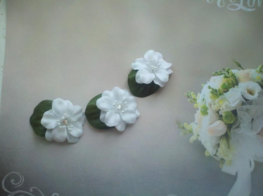 Wedding - Bridal Head piece 3 Piece Set Hair Clips White Flowers Rhinestone Round Pearls Ready to Ship