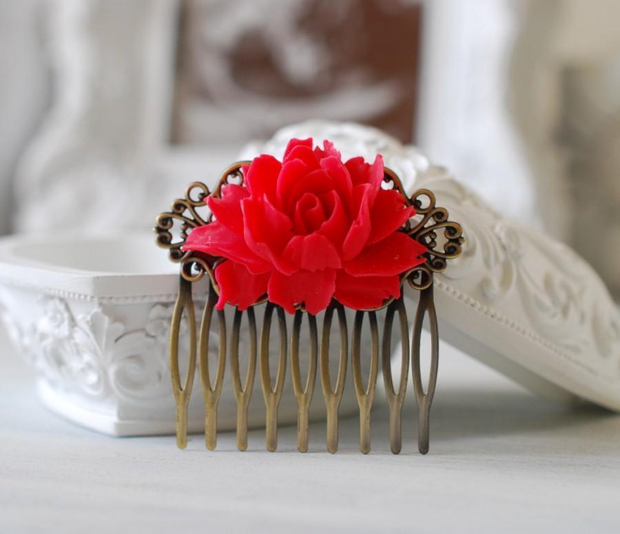 Свадьба - Red Wedding Bridal Flower Hair Comb. Red Rose Floral Antique Brass Filigree Hair Comb, Wedding Hairpiece, Bridal Hair comb, Bridesmaid Gift