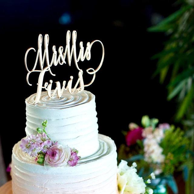 Hochzeit - Custom Cake Topper, Wedding Cake Topper, Engagement Cake Topper, Bridal Shower Cake Topper, Anniversary Cake Topper