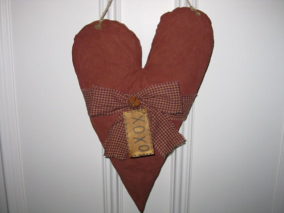 Свадьба - Primitive Heart Hanging - Valentine's Day -  Fabric - Wedding - Anniversary - Door Greeter