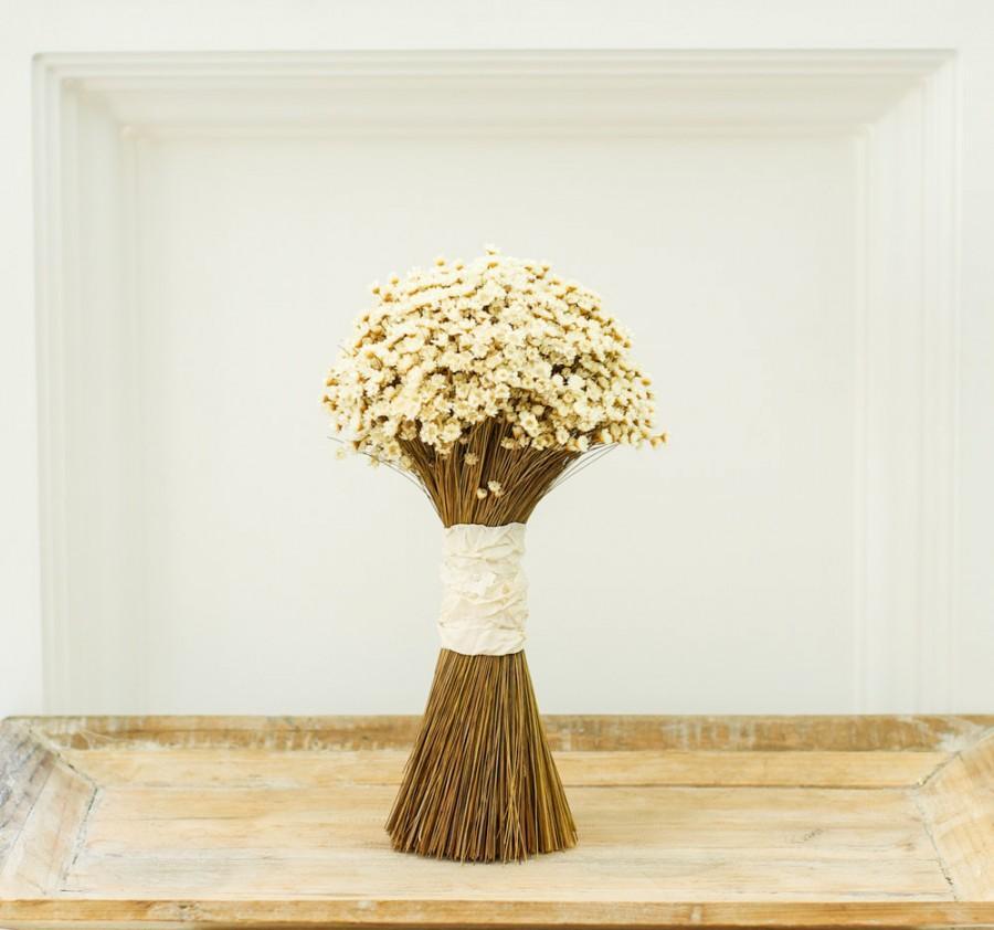 Mariage - Wedding flowers, wedding bouquets, bridal bouquet,  boutonniere and bridesmaids bouquets. Keepsake dried flower bouquet. Ivory starflower