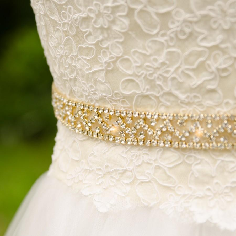 Свадьба - Rhinestone Gold Sash, Bling Gold Wedding Sash, Crystal Rhinestone and Gold Belt, Gold Bridal Belt- CHEYANNE