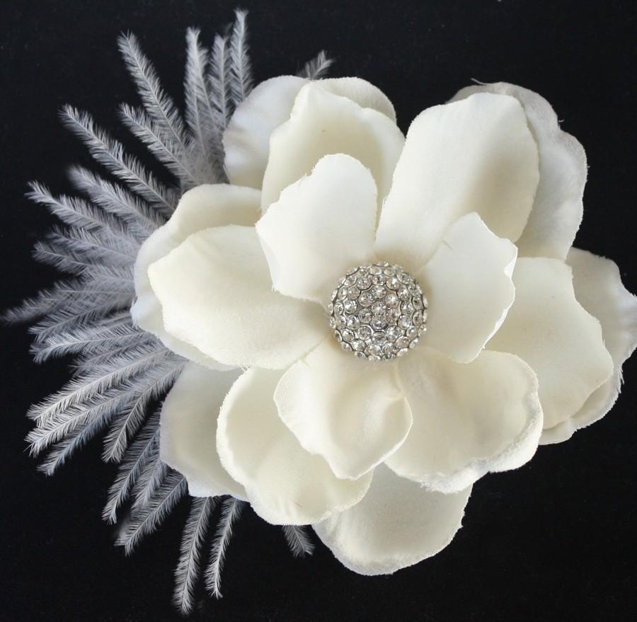 Свадьба - Hair flower feather clip comb wedding headPiece Fascinator - ivory cream Rhinestone Gardenia - Ethel