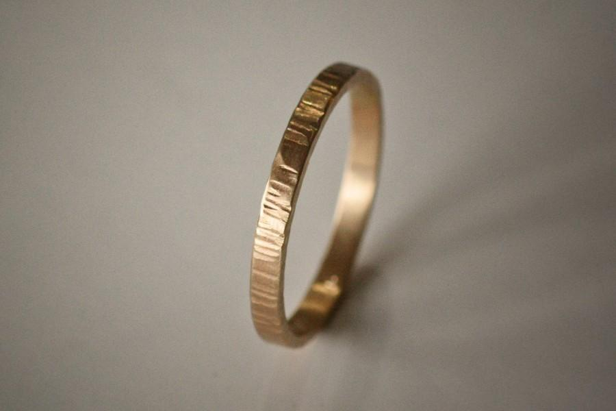 Mariage - Recycled Hand Forged 14k Yellow Gold 2mm Band Hammered Eco Metal