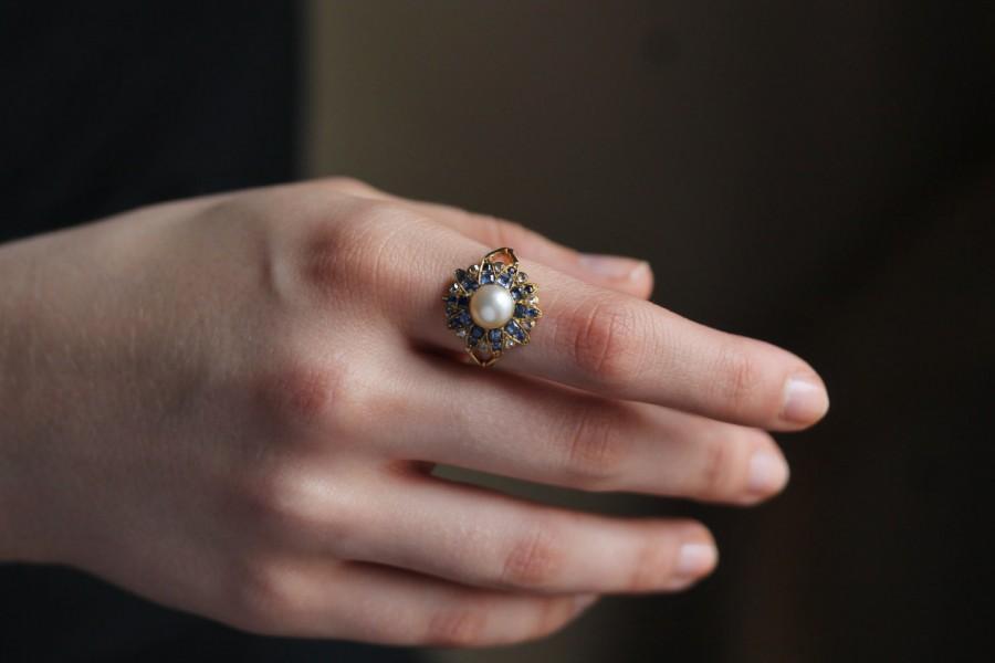 Mariage - Antique Diamond Ring, Edwardian Diamond Ring, Antique Engagement Ring, 18 Karat Gold Ring, Sapphire Engagement Ring, White Pearl Ring.