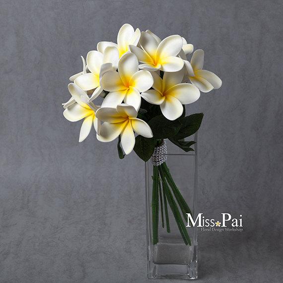 Free shipping artificial plumeria elegant cream frangipani wedding free shipping artificial plumeria elegant cream frangipani wedding bouquet mightylinksfo