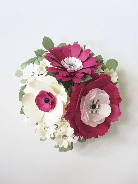 Свадьба - Pink and Ivory Custom Paper Flower Cake Topper