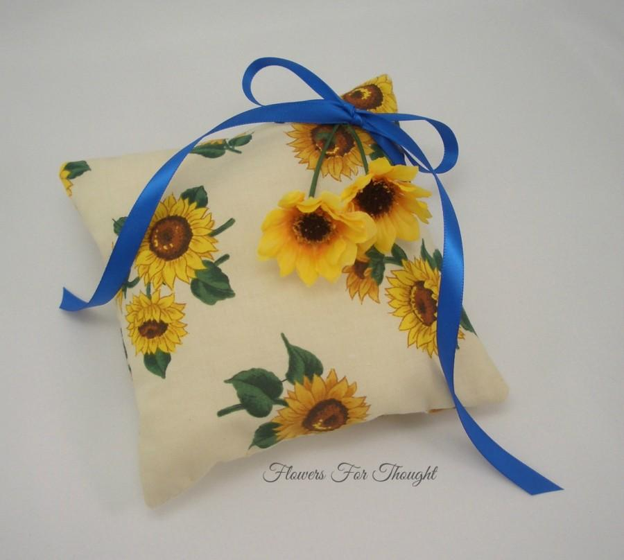 Свадьба - Sunflower Ringbearer Pillow, FFT Original Design, Woodland Rustic Wedding, Ring Cushion, yellow, blue, Made to order