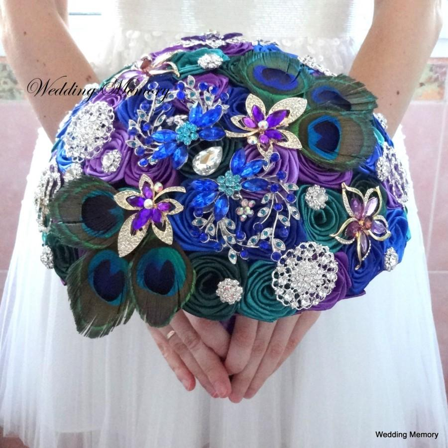 Mariage - BROOCH BOUQUET peacock design. Jewled purple and emerald broach boquet with silver and gold gems