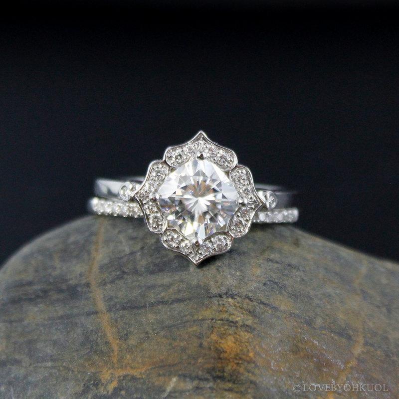 Hochzeit - Forever Brilliant Cushion Halo Diamond Engagement Ring Wedding Set- Vintage Flower Halo - Scallop Halo
