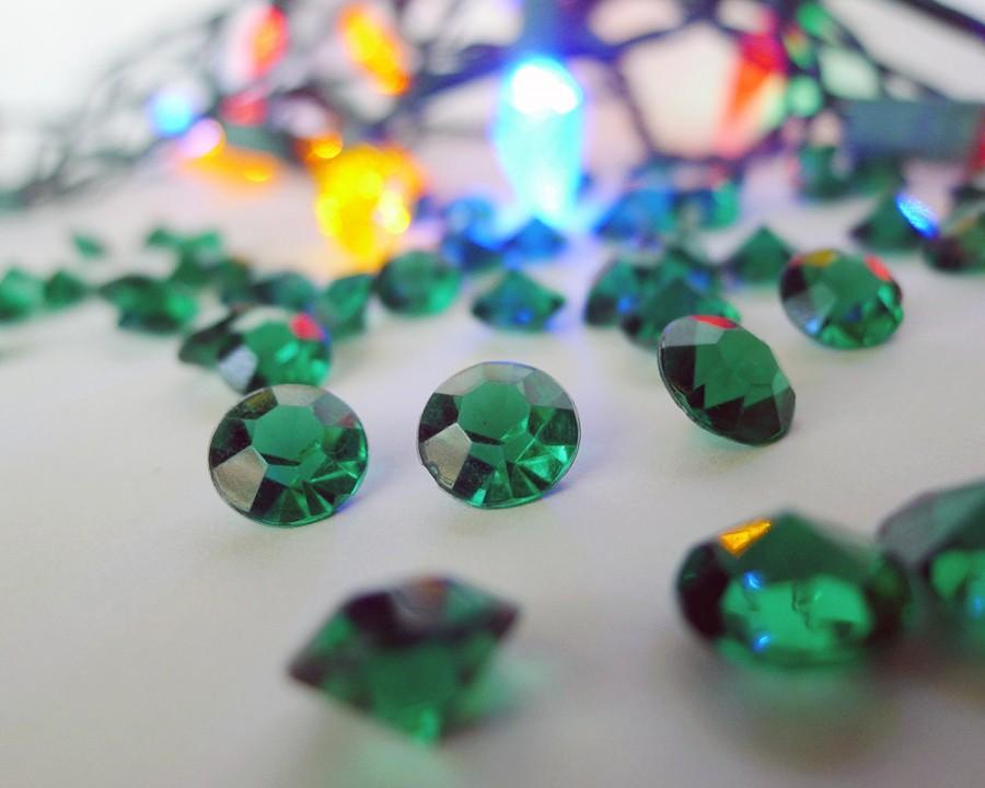 Wedding - 100 Green Acrylic Gems, Emerald Green 4 Carat Christmas Party Decor, Acrylic Gem Holiday Wedding Table Confetti, Gemstone Sparklers